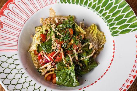 Салат с кенийской фасолью и ростками сои