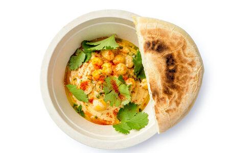 Хумус с пряным маслом и лепешкой