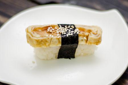 Суши Томаго-яки