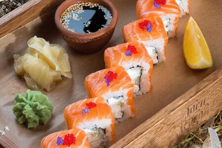 Ролл Красная рыба с сыром