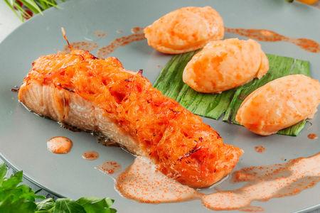 Стейк из лосося фаршированный крабом