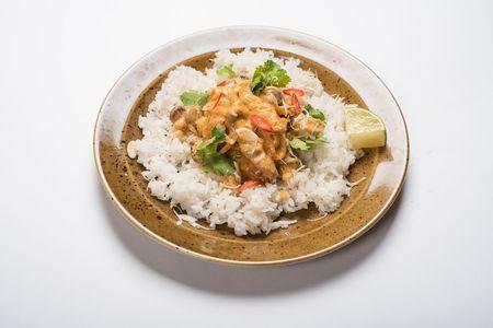 Курица Том ям с паровым рисом
