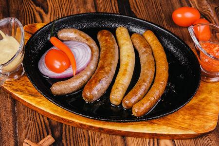 Ассорти из домашних колбасок