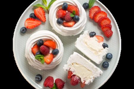 Пирожное Воздушное с ягодами от шеф-кондитера Ав