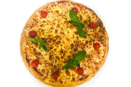 Пицца Маргарита с томатами Черри