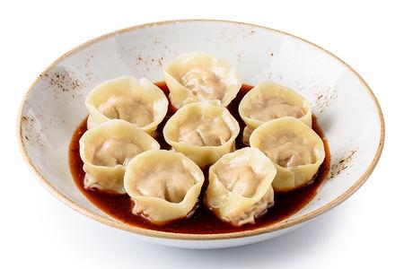 Вонтоны с уткой в китайском соусе