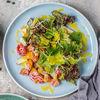 Фото к позиции меню Салат с копченым лососем и авокадо