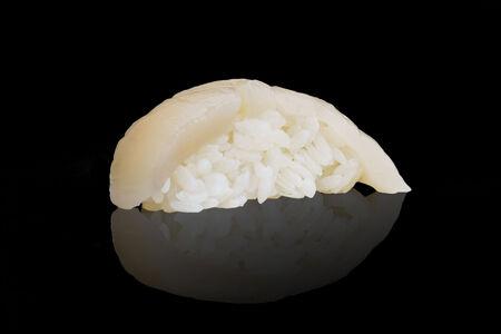 Суши морской гребешок