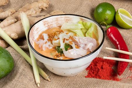 Суп Сливочно-креветочный с лапшой по-индонезийски