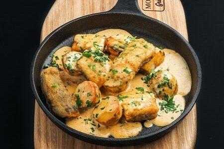 Треска с картофелем в сливочном соусе