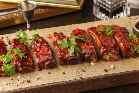 Свиные ребра барбекю в соусе Пеппер