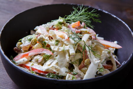 Салат с копченой говядиной