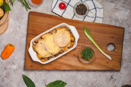 Куриное бедрышко с сыром