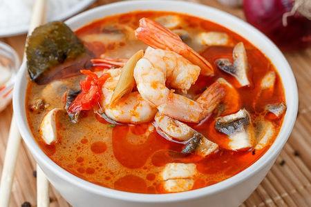 Суп Том Ям и рис на пару