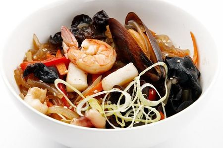 Вок с морепродуктами