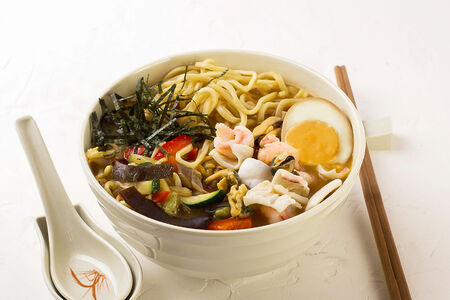 Суп Мисо-рамэн с морепродуктами