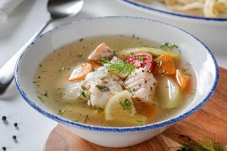 Средиземноморский рыбный суп с лососем, судаком и треской