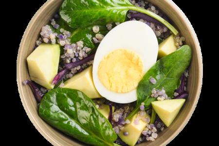 Салат с яйцом и авокадо