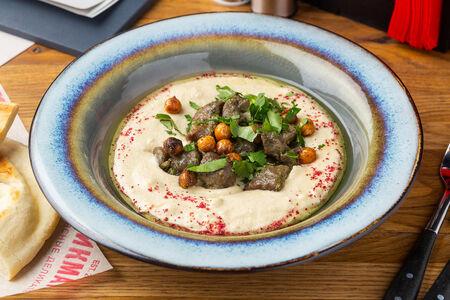 Хумус с томлёной бараниной