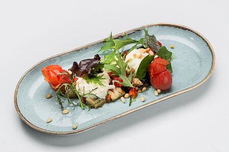 Салат из запеченного баклажана