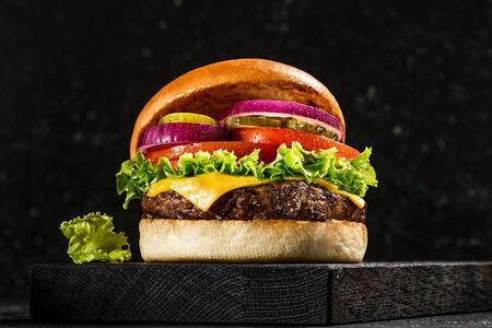 Fridays Чизбургер