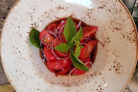 Салат Бакинские помидоры
