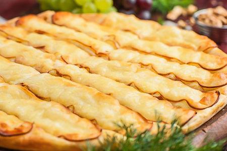 Хачапури с копченым сыром