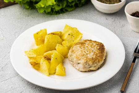 Куриная котлетка с картофелем