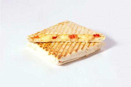 Питерский тост с сыром и томатами