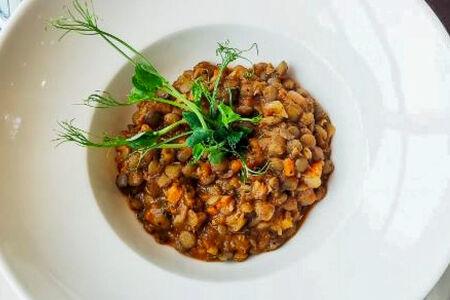 Пряный суп-рагу с чечевицей