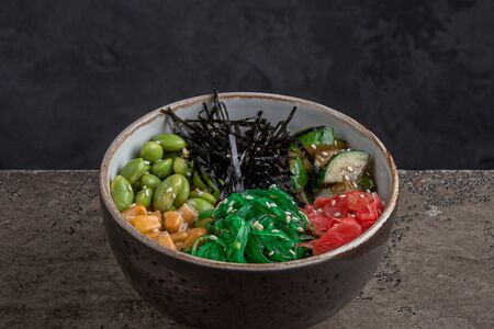 Поке с салатом чука