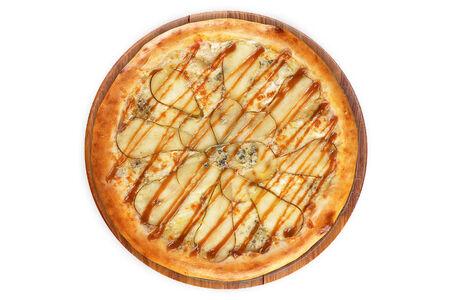Пицца с грушей и дорблю на пышном тесте