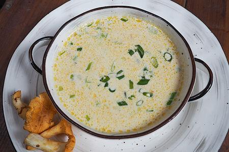 Сливочный суп с лисичками и плавленым сыром