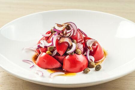 Салат из помидор с каперсами