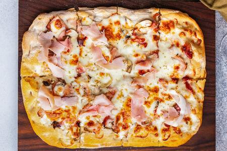 Пицца с прошутто котто