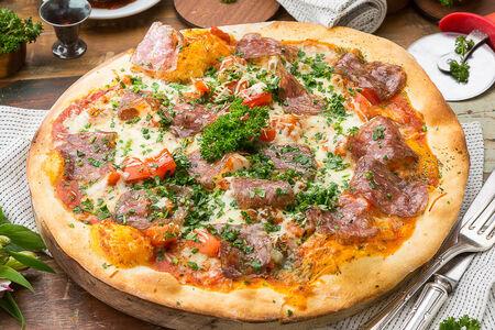 Пицца с суджуком и копченым сулугуни