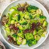 Фото к позиции меню Зеленый салат с брокколи и авокадо