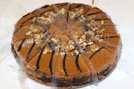 Чизкейк Пралине с шоколадной крошкой и орехами