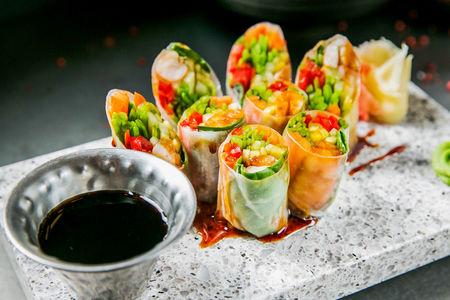 Спринг-ролл с креветками по-вьетнамски