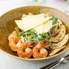 Фото к позиции меню Зеленый салат с тигровыми креветками