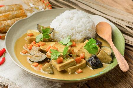 Карри по-тайски с тофу