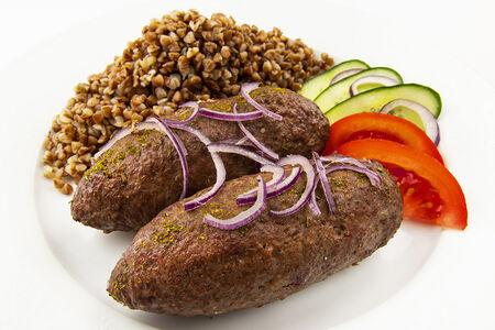 Фирменные люля-кебаб из говядины с гречкой