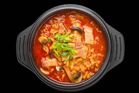Суп Шин-рамен карбонара