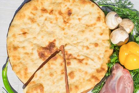 Осетинский пирог с индейкой, грибами и сыром (1200 г)