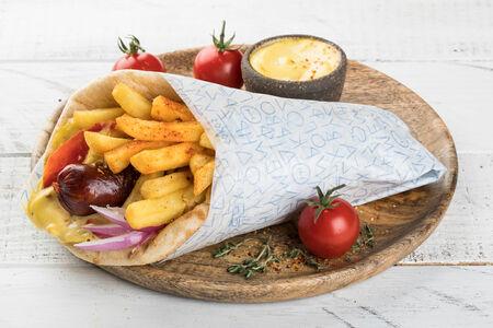 Гирос с луканико