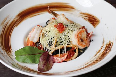 Паста Чёрная с морепродуктами