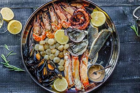 Плато из морепродуктов на компанию