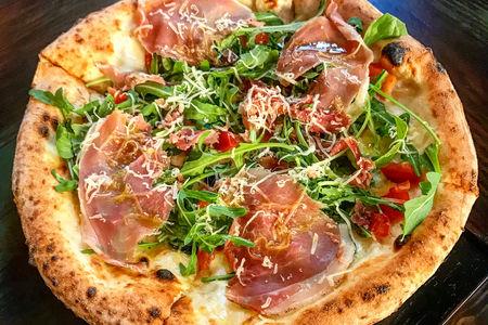Пицца Парма и руккола