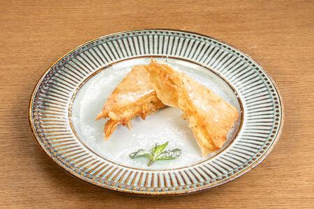 Греческие пироги с кремом Бугаца