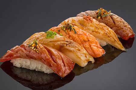 Ассорти суши татаки